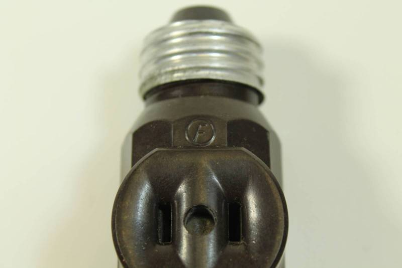 Light Fixture Outlet Adapter