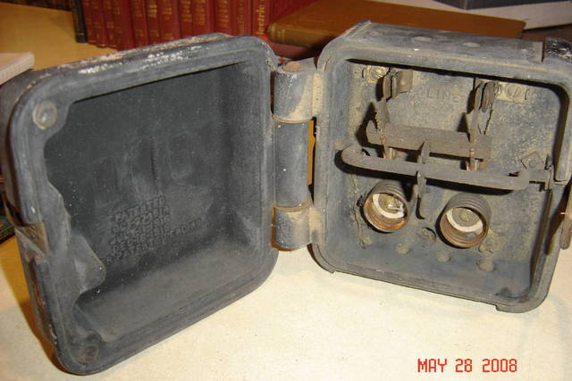 Old Square D Switch - 1/4
